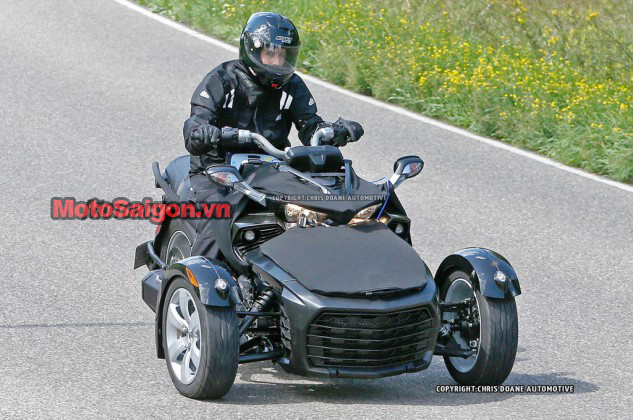 081414-2015-can-am-spyder-second-generation-spy-03-633x420.jpg