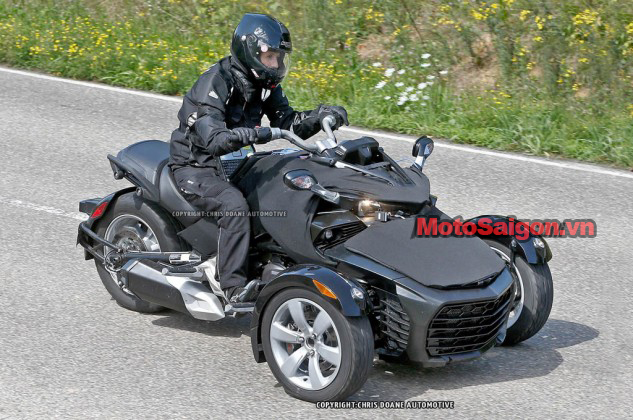081414-2015-can-am-spyder-second-generation-spy-04-633x420.jpg