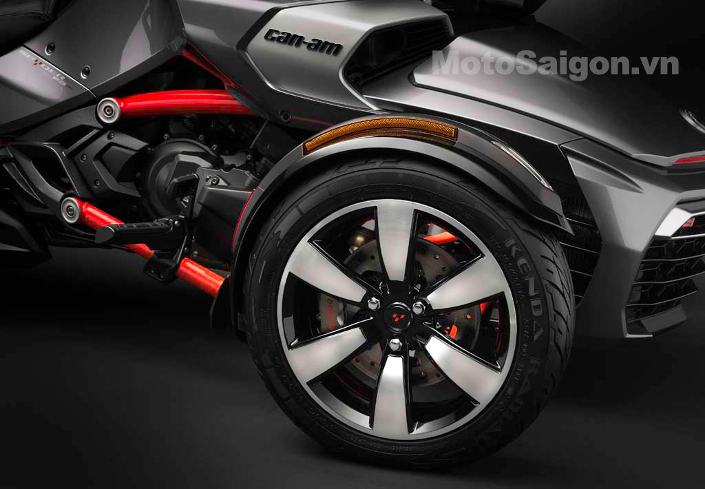 092414-2015-can-am-spyder-F3-S_6-Spoke-Machined-front-Wheel_15.jpg
