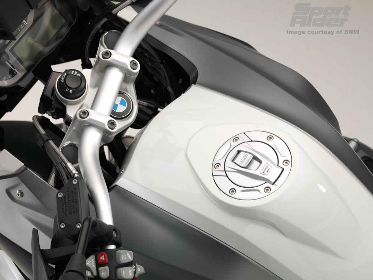 2015-bmw-k1300s-motorsport-6.jpg