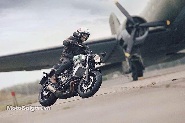 2016-Yamaha-XSR700-motosaigon-5.jpg