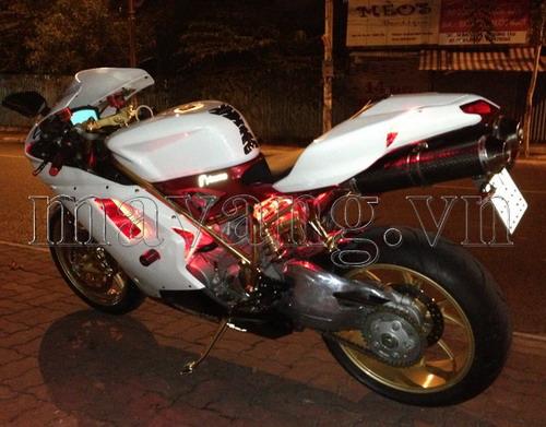 Ducati-848-evo-ma-vang-24K-sang-trong-3.jpg