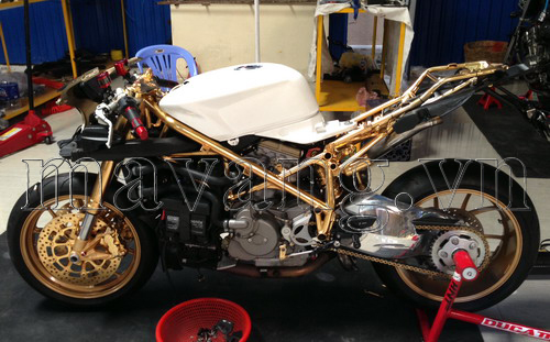 Ducati-848-evo-ma-vang-24K-sang-trong-7.jpg