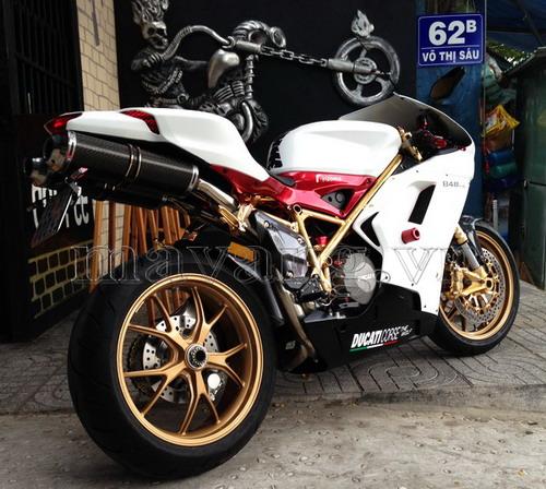 Ducati-848-evo-ma-vang-24K-sang-trong.jpg