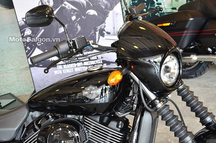 Harley-Davidson_street_750_motosaigon_2.jpg