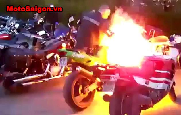 Motosaigon_rev-biker-fire.jpg