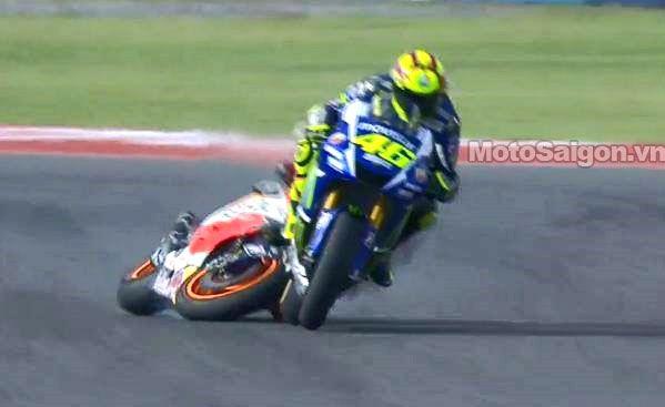 Rossi_vs_Marquez_MotoSaigon_3.jpg