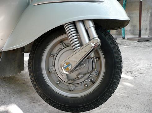 Vespa-Sprint-150-12-3375-1388134398.jpg