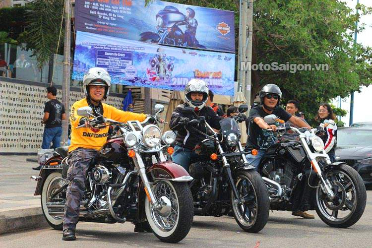 Vietnam_bike_week_2014_motosaigon_1.jpg