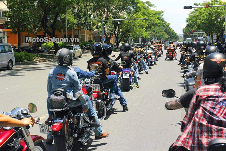 Vietnam_bike_week_2014_motosaigon_3.jpg