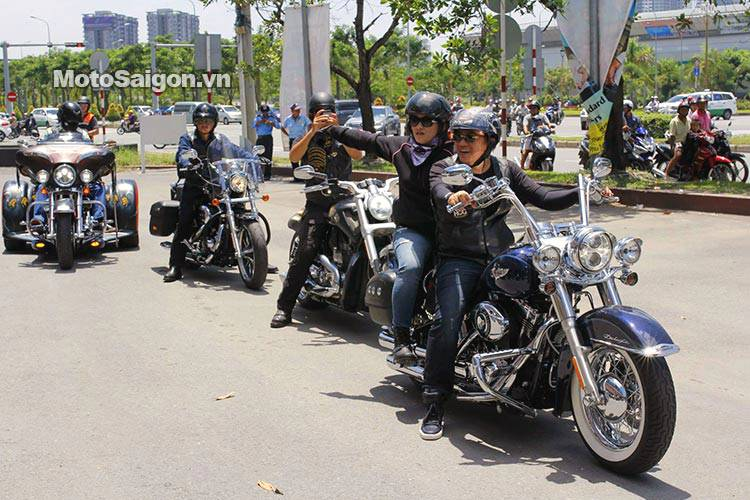 Vietnam_bike_week_2014_motosaigon_5.jpg