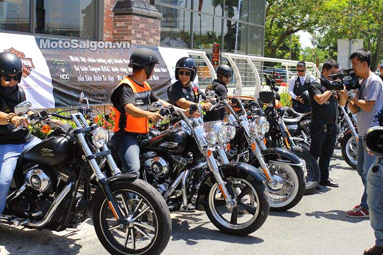 Vietnam_bike_week_2014_motosaigon_6.jpg
