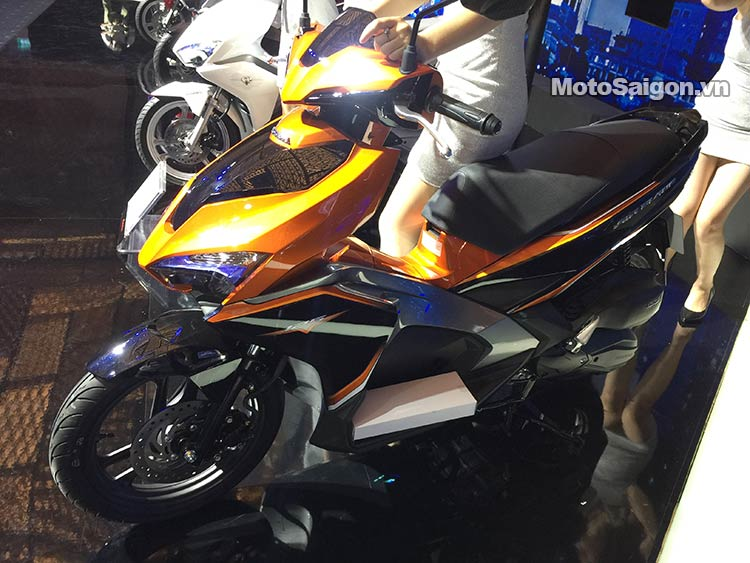 airblade-2016-moto-saigon-1.jpg