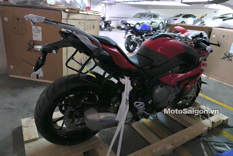 bmw-r1200r-s1000r-s1000xr-s1000-moto-saigon-7.jpg
