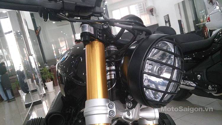 bmw_RnineT_do_cafe_racer_motosaigon.jpg