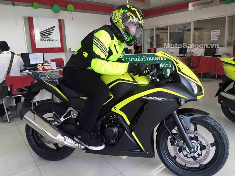 cbr300-2016-mau-xanh-moi-moto-saigon-7.jpg