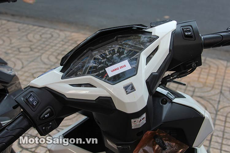 click-thai-125i-2016-moto-saigon-12.jpg