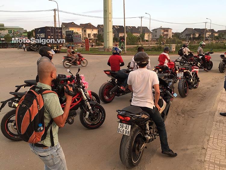 dam-cuoi-moto-ducati-moto-saigon-21.jpg