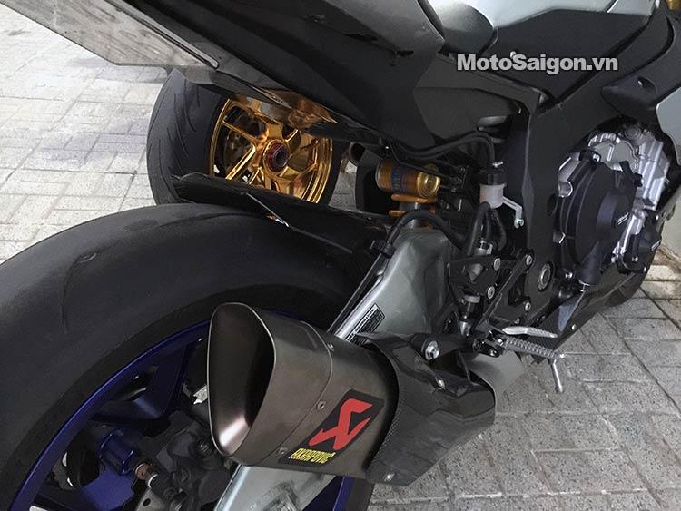dam-cuoi-moto-ducati-moto-saigon-6.jpg