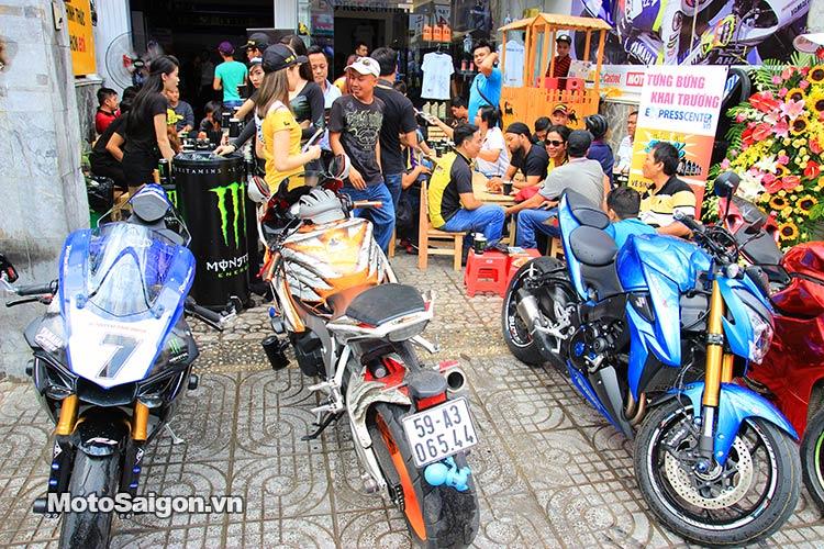 dau-nhot-express-canter-moto-saigon-11.jpg