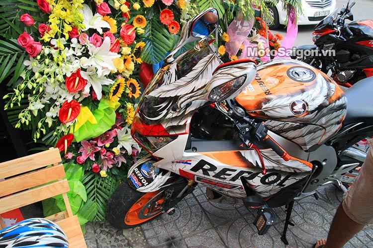 dau-nhot-express-canter-moto-saigon-2.jpg