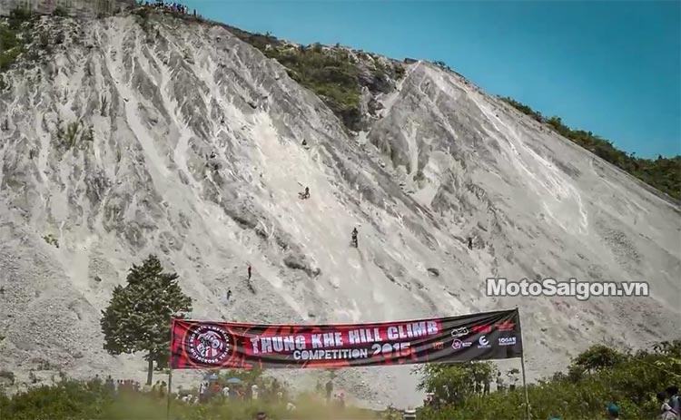 dua-xe-cao-cao-motorcross-leo-doc-da-trang-thung-khe-motosaigon-12.jpg