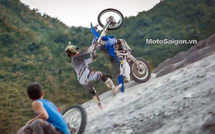 dua-xe-cao-cao-motorcross-leo-doc-da-trang-thung-khe-motosaigon-8.jpg