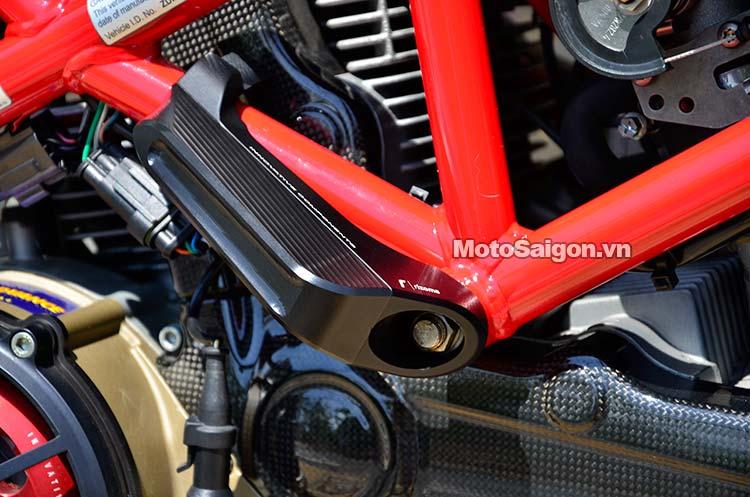 ducati-hypermotard-nhieu-do-choi-motosaigon-12.jpg