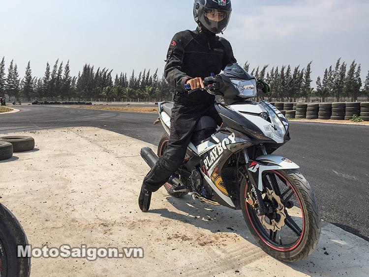 exciter-150-test-truong-dua-happy-land-moto-saigon-6.jpg