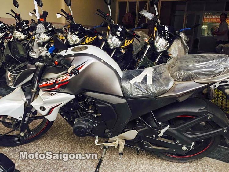 fzs-v2-2016-cb160r-motosaigon-10.jpg