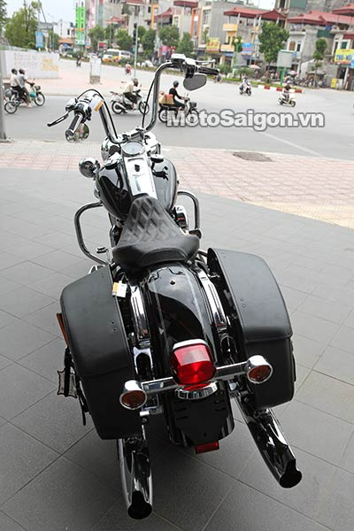 harley-road-king-2016-moto-saigon-2.jpg