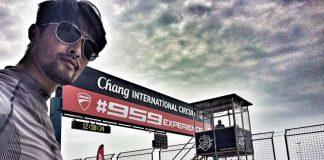 Johnny Trí Nguyễn trải nghiệm Ducati Panigale 959