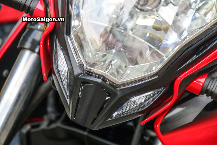 kawasaki-bajaj-pulsar-200ns-motosaigon-17.jpg