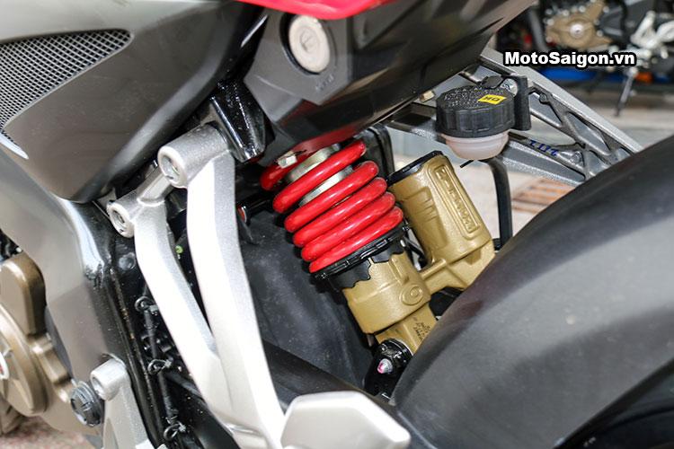 kawasaki-bajaj-pulsar-200ns-motosaigon-24.jpg