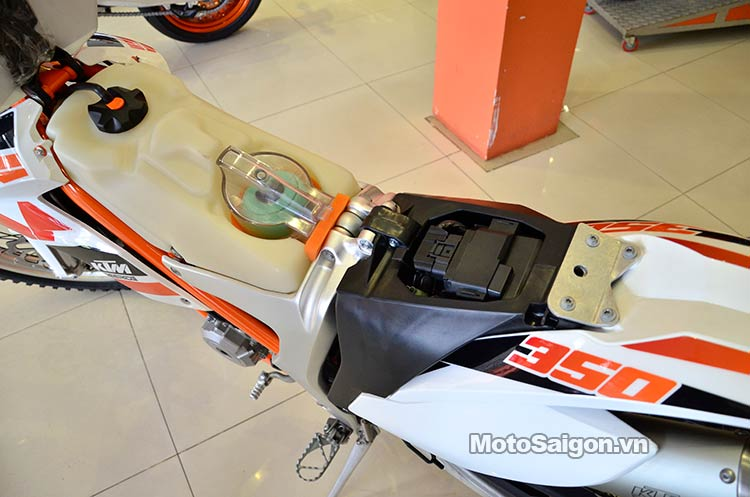 ktm-350-free-ride-moto-saigon-2.jpg
