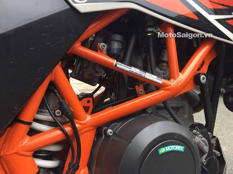 ktm-690-smc-r-moto-saigon-3.jpg