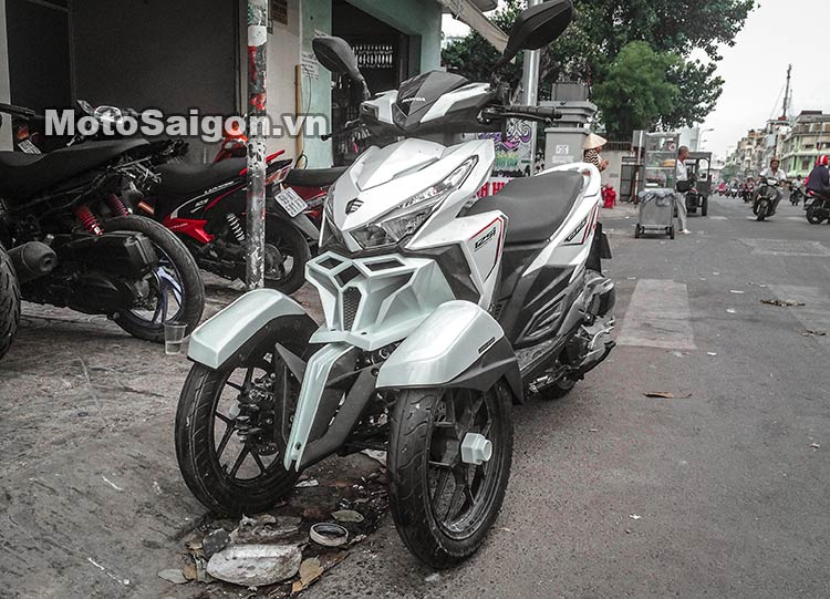 lick-thai-do-3-banh-neowing-moto-saigon-2.jpg
