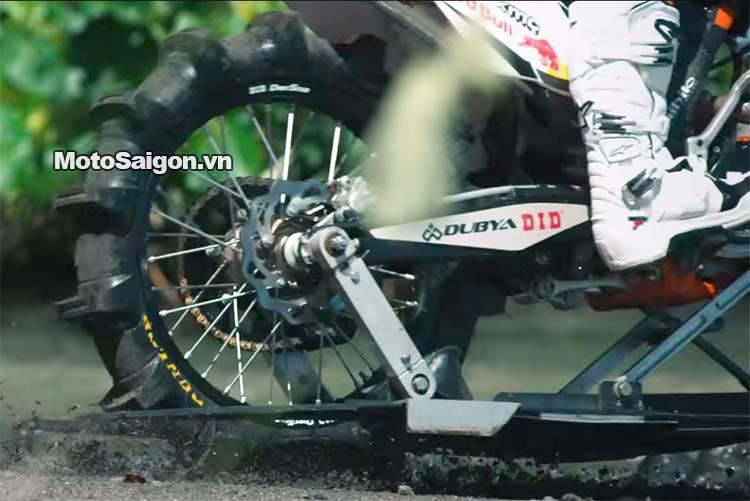 moto-cao-cao-chay-tren-nuoc-robbie-maddison-pipe-dream-moto-saigon-11.jpg