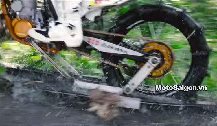 moto-cao-cao-chay-tren-nuoc-robbie-maddison-pipe-dream-moto-saigon-9.jpg