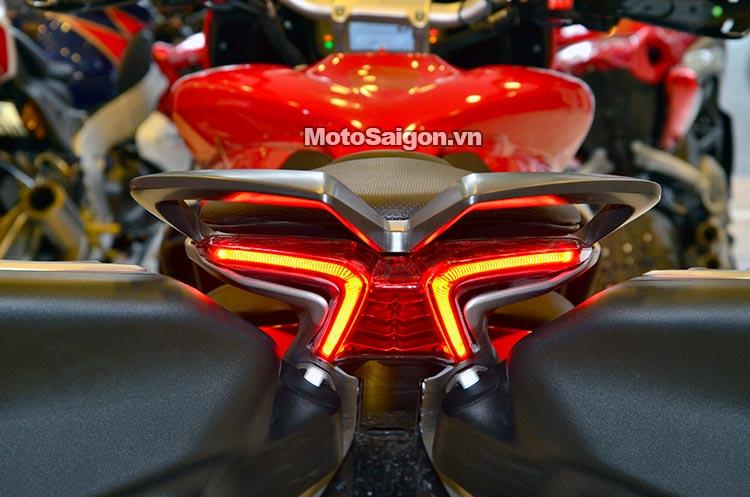mv-agusta-turismo-veloce-lusso-deluxe-moto-saigon-38.jpg