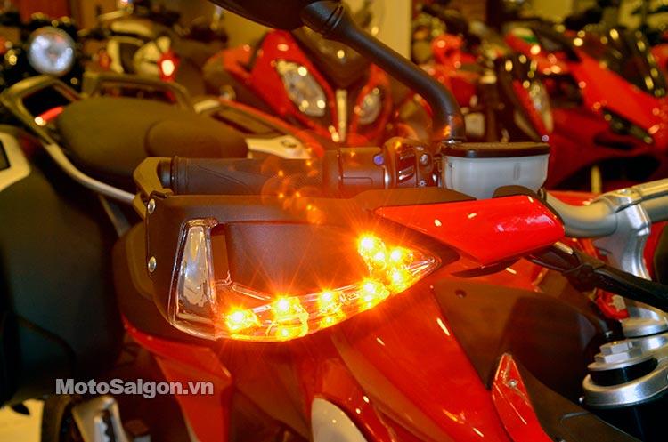 mv-agusta-turismo-veloce-lusso-deluxe-moto-saigon-39.jpg