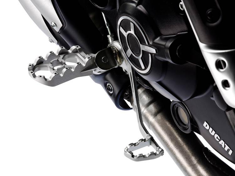 scrambler-flat-track-pro-2016-moto-saigon-11.jpg