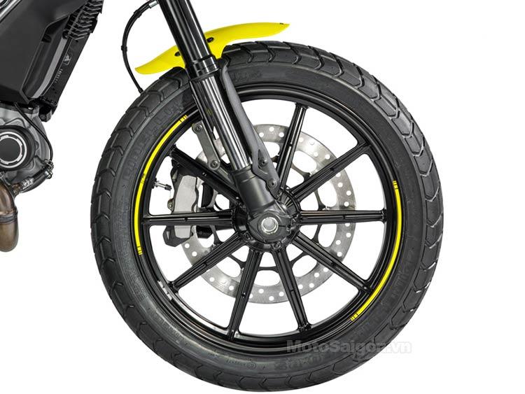 scrambler-flat-track-pro-2016-moto-saigon-9.jpg