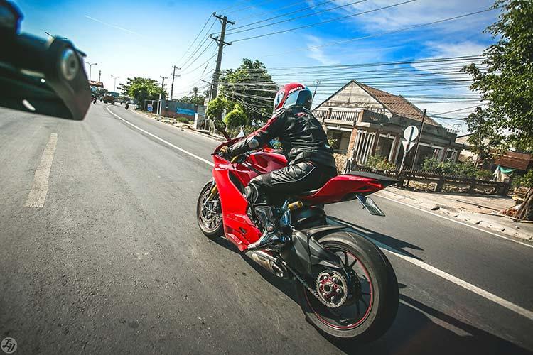 sinh-nhat-ducati-club-lan-3-motosaigon-3.jpg
