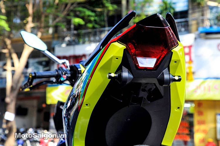 tem-dau-dep-exciter-150-moto-saigon-4.jpg
