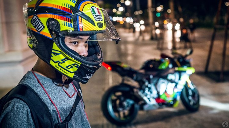 Bộ ảnh Yamaha R1 2015 độ tem Rossi cực đẹp trong đêm ...