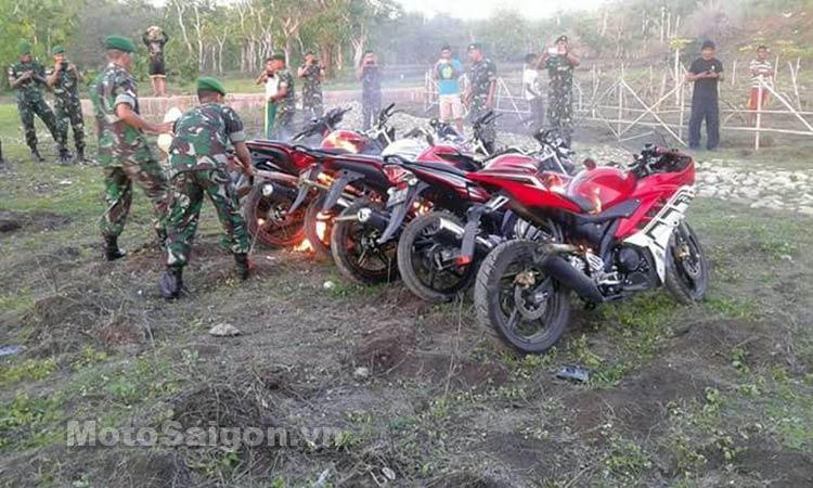 yamaha-r15-bi-thieu-rui-moto-saigon-2.jpg