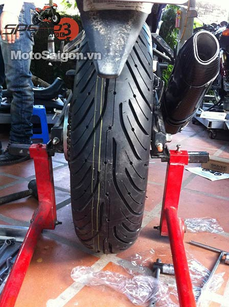 yamaha-r3-do-lop-banh-to-180-moto-saigon-4.jpg
