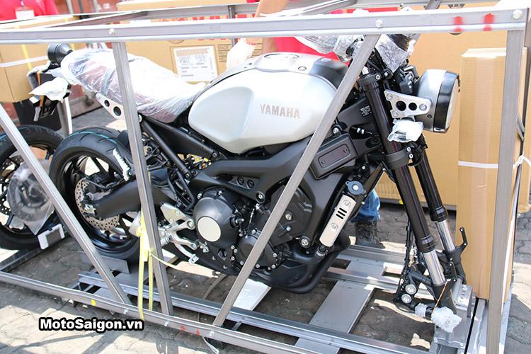 bmw-k1600-gtl-thruxton-r-xsr900-ctx-1300-moto-saigon-7
