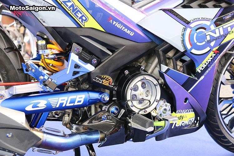 Exciter 150 Nitro nổi bật với lớp sơn 2 màu và bộ gắp RCB Racing Boy